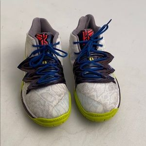 Nike Kyrie 5 Mamba Mentality basketball sneaker 6Y